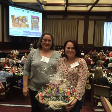 2015 SM Readers Luncheon Author Basket Winner